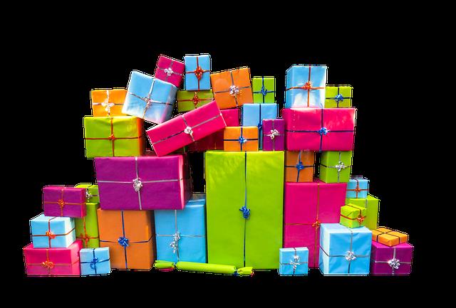Multitude de paquets cadeaux colorés